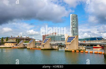 Ansicht von Belfast mit dem Fluss Lagan - Vereinigtes Königreich - Stockfoto