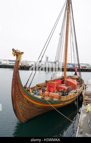 Dragon Harald Fairhair, einem großen Viking lange Schiff in der Gemeinde von Haugesund, Norwegen gebaut. Es ist - Stockfoto