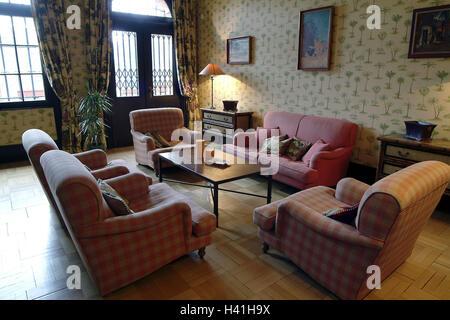 Deutschland, Saarland, Mettlach, Gast Haus Schloss Saar Ecke, Wohnfläche,  Europa, Unternehmen Villeroy U0026 Boch, Gebäude, Haus, Villa, Sitz Gruppe, ...