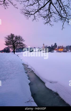 Deutschland, Bayern, Augsburg, Siebnach, Kirche, Bach, gefrorene, Winter, Schnee, Sonnenuntergang, Licht, Stimmung, - Stockfoto