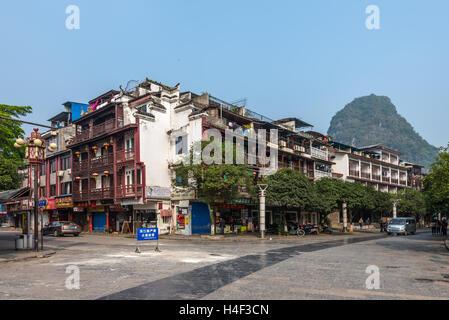 Einer der wichtigsten Straßen von Yangshuo - Stockfoto