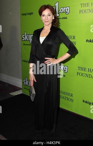 Marilu Henner im Ankunftsbereich für Skip1 Night Event, Loews Hotel Hollywood, Los Angeles, CA 15. Oktober 2016. - Stockfoto