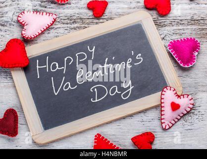 Happy Valentinstag. Handschriftliche Nachricht Auf Einer Kreidetafel    Stockfoto