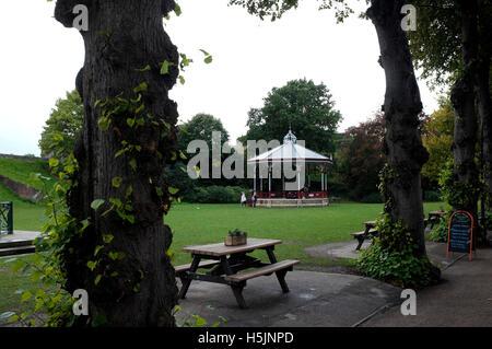 Dane John Gärten in der Stadt von Canterbury East Kent uk Oktober 2016 - Stockfoto