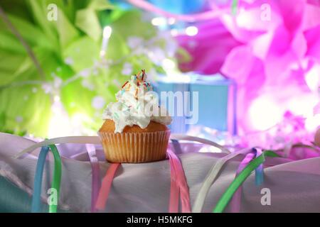 Kuchen mit Buttercreme Feier - Stockfoto