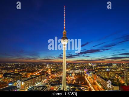 Luftbild auf dem Alexanderplatz in Berlin - Stockfoto