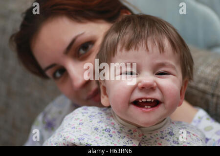 Kind Lächeln Mutter Kind - Stockfoto