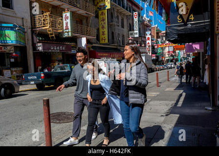 San Francisco, CA, USA, Straßenszenen, Chinatown, das Chinesische Teens Wandern, tagsüber, lokalen Nachbarschaften - Stockfoto