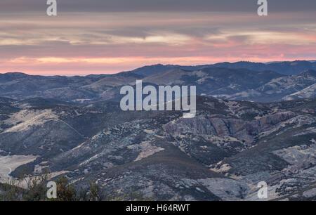 Sonnenuntergang über Salinas Valley Chalone Peak Trail - Stockfoto