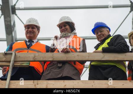 Turin, Piemont, Italien. 25. Oktober 2016. Turin, Italien-25 Oktober 2016: der Bürgermeister Chiara Appendino besuchen - Stockfoto