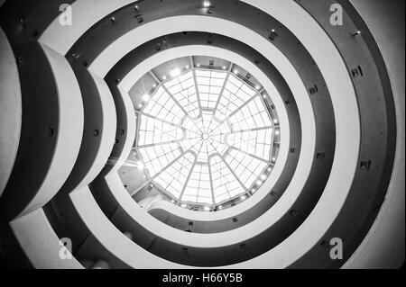 Solomon R. Guggenheim Museum, Innenansicht, moderne Kunst, 5th Avenue, Upper East Side, Manhattan, New York City - Stockfoto