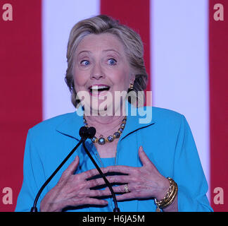 Daytona Beach, Florida, USA. 29. Oktober 2016. Demokratischen Präsidentschaftskandidaten Hillary Clinton spricht - Stockfoto
