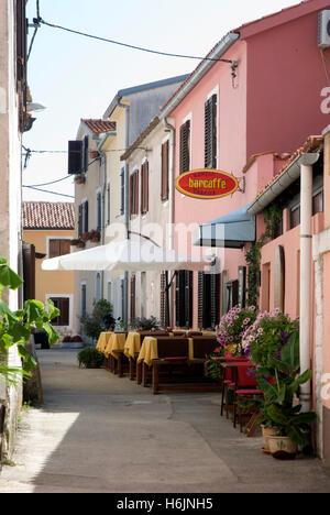 Bar und Café in der Altstadt, Novigrad, Istrien, Kroatien, Europa - Stockfoto