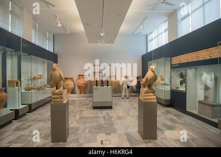 Griechenland, Kreta, Heraklion, Archäologisches Museum, Ausstellungsraum - Stockfoto