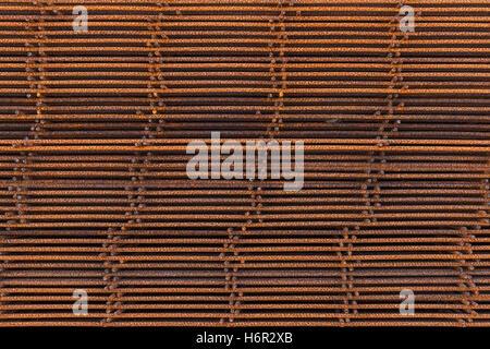 Abstrakte Industrieerfahrung, Stapel von verrosteten verstärkende Netzelemente