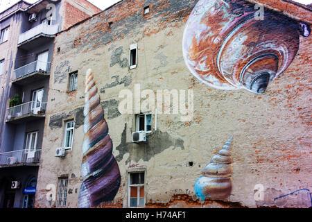 Kunst im öffentlichen Raum an der Seite eines Gebäudes im Zentrum Zagreb. - Stockfoto