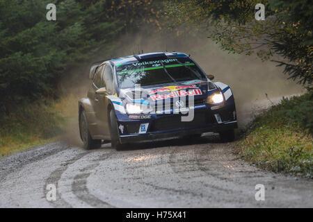 Andreas Mikkelsen Teilnahme an Wales Rallye GB auf der Dyfnant Bühne. - Stockfoto