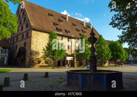 MAULBRONN, Deutschland - MAI 17, 2015: Tudor-Stil befindet sich im Kloster, Teil des UNESCO-Weltkulturerbe - Stockfoto