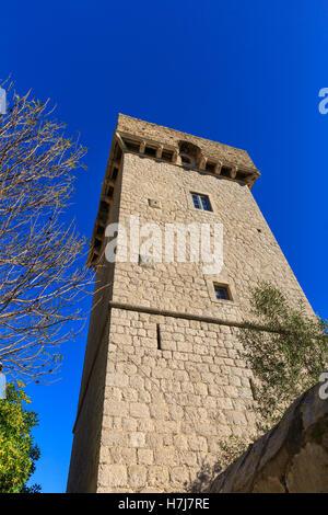 Skočibuha Palace Tower, 16. Jahrhundert Burg auf der Insel von Šipan, Elafiti-Inseln in der Nähe von Dubrovnik, - Stockfoto
