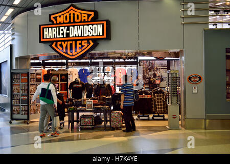 harley davidson schild motorrad lederjacke getragen von. Black Bedroom Furniture Sets. Home Design Ideas