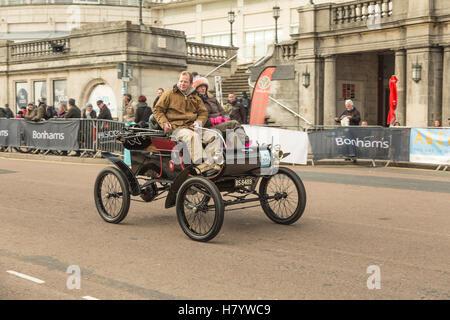 Bonhams London nach Brighton Oldtimer-Rallye - Stockfoto
