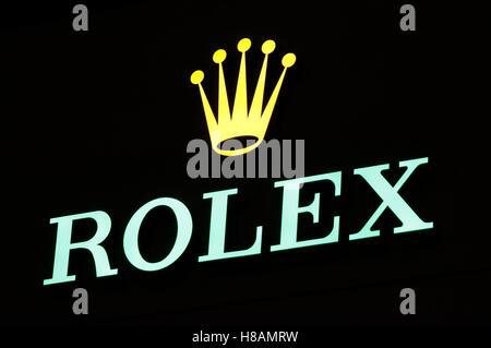 """Das Logo der Marke """"Rolex"""", Berlin. - Stockfoto"""