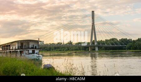 Heilig-Kreuz-Brücke über die Weichsel in Warschau Polen - Stockfoto