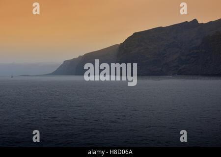 Acantilado de Los Gigantes Klippen der Riesen, Los Gigantes, Teneriffa, Kanarische Inseln, Spanien - Stockfoto