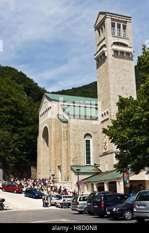 Kloster und Kirche des Heiligtums von Montevergine, 1124 A.C., Mercogliano, Avellino, Kampanien, Italien, Europa - Stockfoto