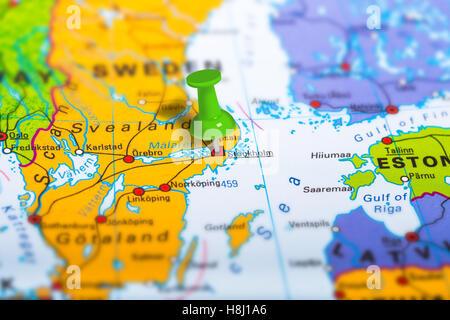 schweden landkarte mit hauptstadt stockholm landesgrenzen wichtige st dte fl sse und seen. Black Bedroom Furniture Sets. Home Design Ideas
