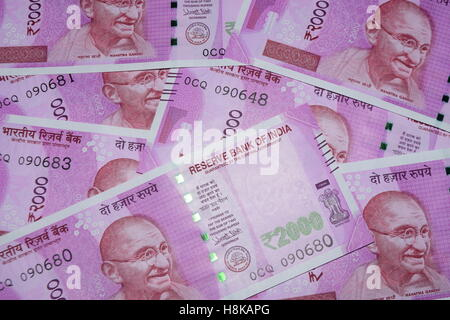 Indien 2000 Rupien Währung Banknoten zwei tausend indischer Währungen höchste Denomination Rupie-Anmerkung - Stockfoto