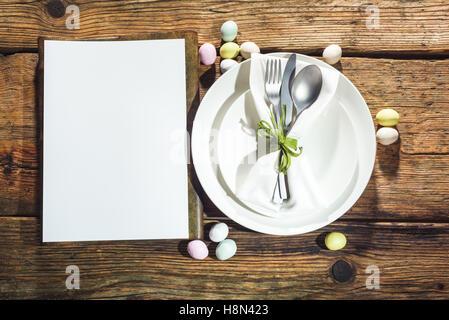 Frühlings-Menü mit einem weißen Platz für Text. - Stockfoto