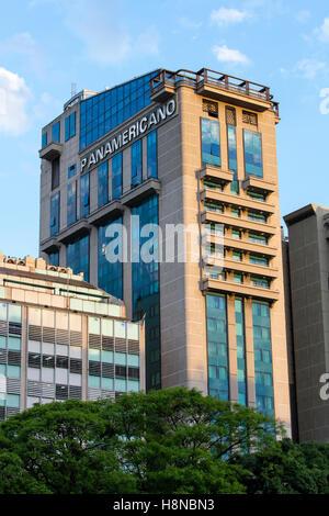 """Das 'Hotel Panamericano"""" an der Avenida 9 de Julio. Buenos Aires, Argentinien. - Stockfoto"""
