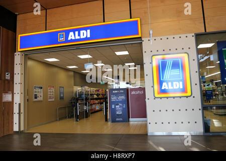 Aldi-Supermarkt in Cranbourne East Melbourne Victoria Australien - Stockfoto