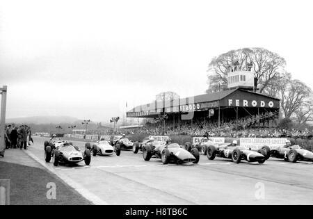 1961 GOODWOOD ICF RACE GITTER MCLAREN GRAHAM HILL MOSS BROOKS - Stockfoto