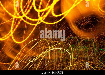 Ampel-Farbe mit langer Belichtungszeit, bunte abstrakte Bewegungsunschärfe Hintergrund - Stockfoto