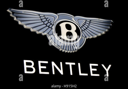 """Das Logo der Marke """"Bentley"""", Berlin. - Stockfoto"""