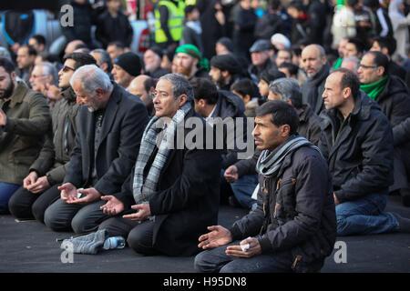 Hyde Park, London, UK. 19. November 2016. Hunderte von Menschen versammelten sich in Hyde Park in London, Arbaeen, - Stockfoto