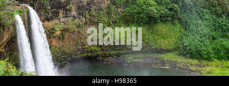 Panorama der Wailua Falls auf Kauai, Hawaii - Stockfoto