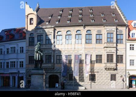 Augsburg: Maximilian Museum und Denkmal des Jakob Fugger, Schwaben, Swabia, Bayern, Bayern, Deutschland - Stockfoto