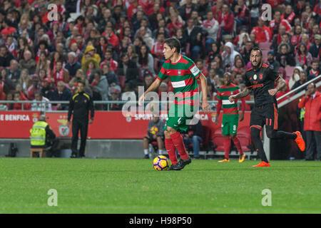 19. November 2016. Lissabon, Portugal. Maritimo den brasilianischen Verteidiger Deyvison (4) in Aktion während das - Stockfoto