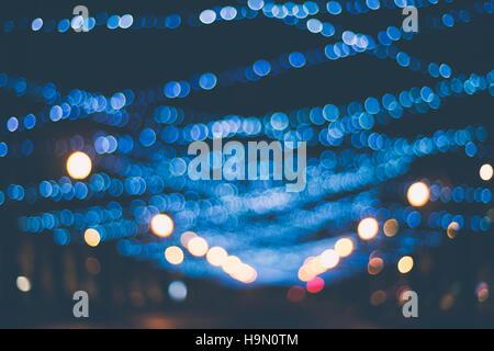 Defokussierten Bild beleuchtete Straße für Winterurlaub - Stockfoto