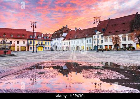 Sibiu, Rumänien. Großen Platz. Transylvania mittelalterliche Stadt. - Stockfoto