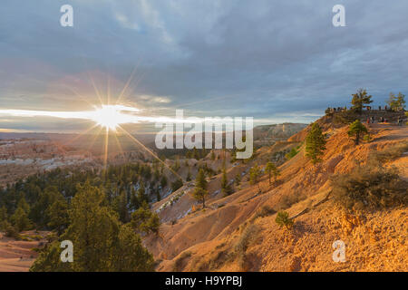 Blick vom Sunrise Point am Bryce-Canyon-Nationalpark im Süden von Utah. - Stockfoto