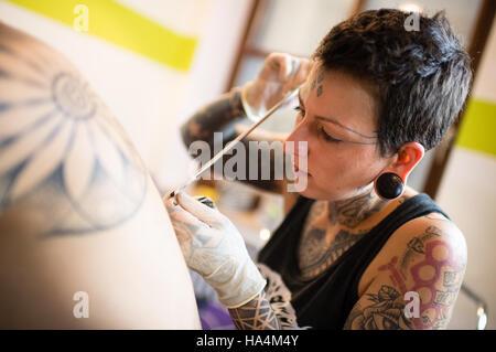 Grafing Deutschland 16 November 2016 Tattoo Kunstler Georgina