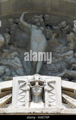 Sculpteres auf der Fassade des Palacio de Bellas Artes oder Palast der Schönen Künste, Mexiko City, Mexiko - Stockfoto