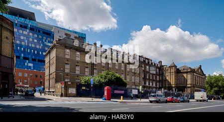 Alt- und Neubau Royal London Hospital in Whitechapel Road im Londoner East End - Stockfoto