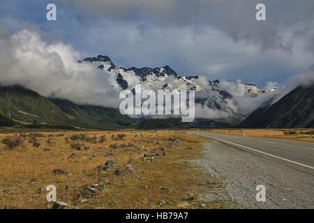 Auf dem Weg zum Mt. Cook village - Stockfoto
