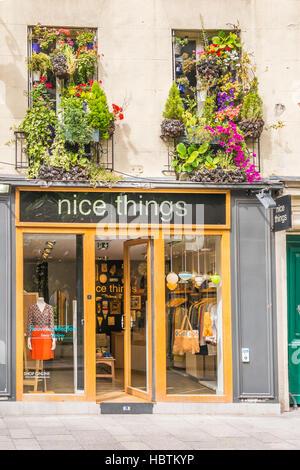 c06aa550d81cda Außenansicht der schöne Dinge shop - Stockfoto