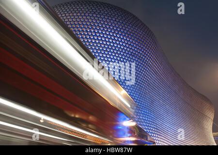 Autolicht Routen im Kaufhaus Selfridges, Birmingham, West Midlands, England, Vereinigtes Königreich, Europa - Stockfoto